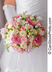 Wedding bouquet closeup - Wedding roses bouquet in bride...
