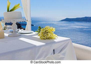 Wedding cake and Calla lilies