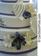 Wedding cake specially decorated. Detail 12