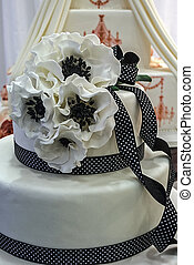 Wedding cake specially decorated. Detail 9