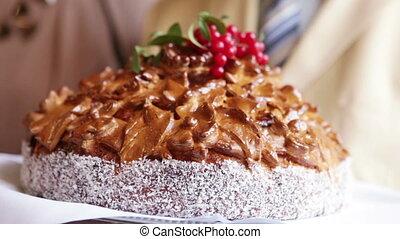 Wedding Cake with Viburnum - Details wedding cake in the...