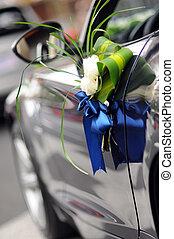 Wedding Car Flowers - Flowers on a   wedding car