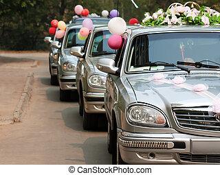 Wedding car - Married bride wedding flower bouquet limousine...