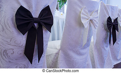 wedding chairs with ribbon