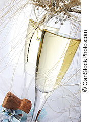 Wedding Champagne - Champagne glasses with rings and tiara