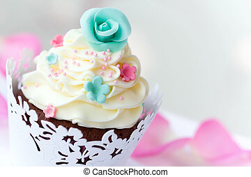 Wedding cupcake decorated with sugar flowers