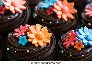 Wedding cupcakes - Cupcakes decorated with chocolate ganache...
