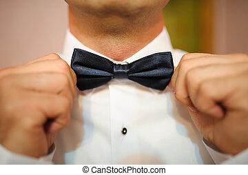 groom Bowtie adjustment - wedding day groom Bowtie ...