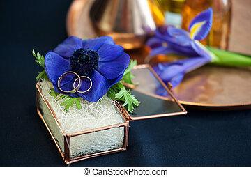 Wedding decor with blue anemones