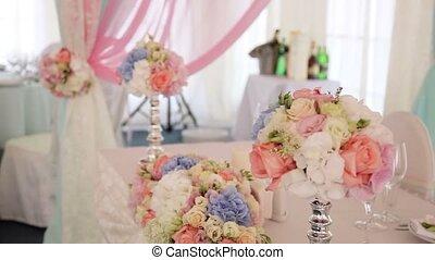 Wedding dinner decoration