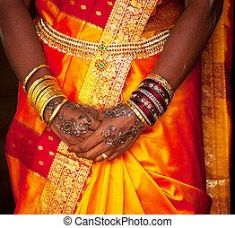 Wedding hands - wedding pattern on hands