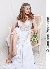 wedding., junger, sanft, ruhig, braut, in, klassisch, weißes, schleier, weg schauen