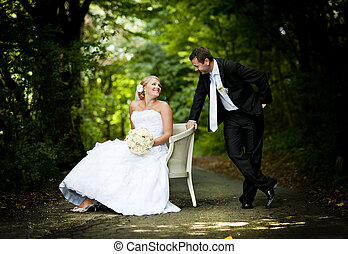 Wedding outdoor portraits - Bride and groom outdoor wedding...