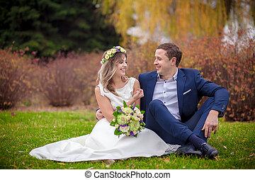 wedding outdoors bride groom
