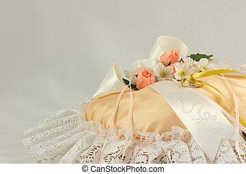 wedding ring cushion - wedding ring on a cushion with ...