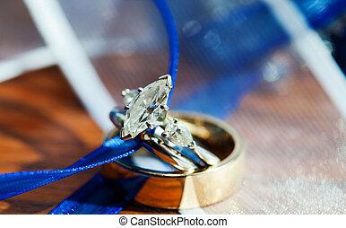 Wedding Ring - Beautiful marquise cut diamond wedding ring