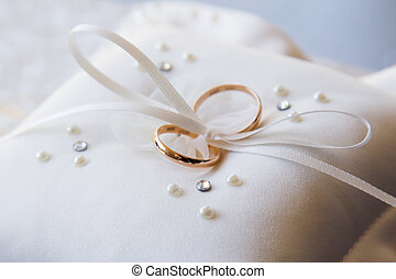 Wedding rings of gold