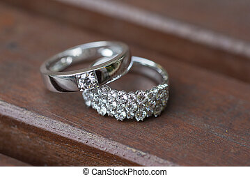 wedding rings with