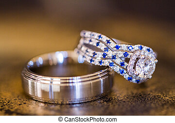 Wedding rings with white gold and diamonds.