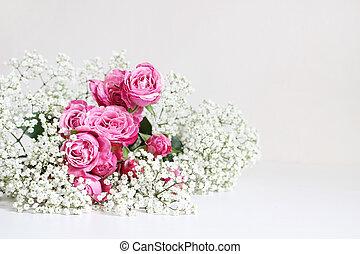 wedding, styled, bestand, photo., stilleben, mit, rosafarbene rosen, und, atem babys, gypsophila, blumen, weiß, tisch, hintergrund., blumen-, composition., bild, für, blog, oder, sozial, media.