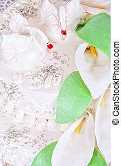 wedding swan cake