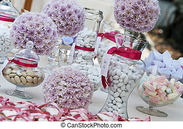 confetti - wedding table with confetti and candies