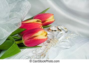 wedding tulips