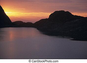 Wedgemount Lake at sunset horizontal