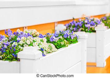 blumen fensterbank blumen lavendel fensterbank bilder. Black Bedroom Furniture Sets. Home Design Ideas
