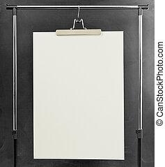 weißes, plakat, hängender , an, a, kleidung, ständer.