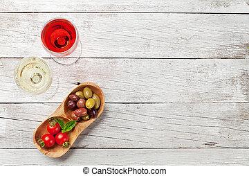 weißes, und, rose wein, brille, mit, oliven, und, tomaten