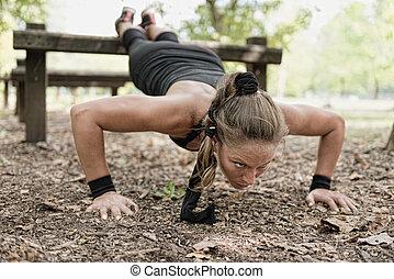 weibliche , athlet, machen, schieben, ups