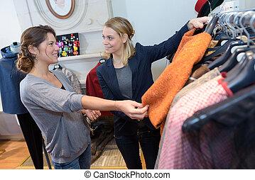 weibliche , kunde, von, a, mode, kaufmannsladen