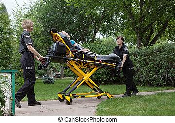 weibliche , notfall, medizinische mannschaft