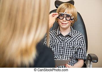 weibliche , optiker, bestimmung, verordnung, werte, mit, optometric, rahmen, für, junge, in, kaufmannsladen