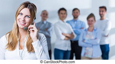weibliche , telefonist, in, kopfhörer