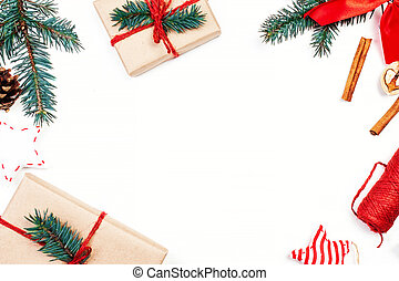 weihnachten, feiertage, hintergrund, mit, festlicher, dekorationen, und, geschenk boxt, weiß, holzbrett, mit, kopieren platz, für, dein, text