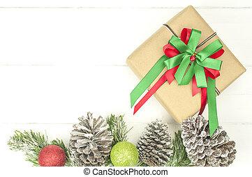 weihnachten, hintergrund, mit, dekorationen, und, geschenkschachtel, weiß, hölzern, board.