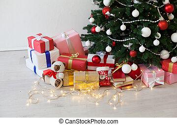 Weihnachtsdeko Lichter Innen.Geschenke Girlande Kerzen Baum Geschenke Lichter Innen