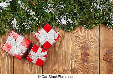 weihnachten, tanne, mit, schnee, und, rotes , geschenk boxt