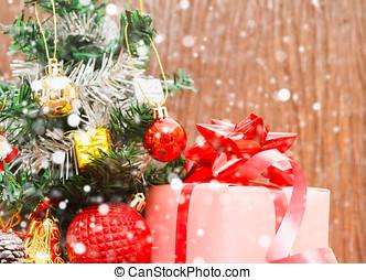 weihnachten, und, frohes neues jahr, 2017, kästen, und, bunte, dekoriert, weihnachtsbaum, weiß, bokeh, hintergrund, kopieren platz