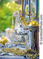 weihnachtlicher tisch, einstellung, mit, flasche champagner