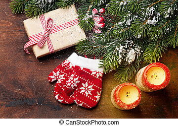 weihnachtsgeschenk, kasten, kerzen, und, tanne, zweig