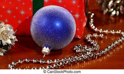 Girlande, geschenke, kiefer, bokeh, dekoration,... Stock Videos ...
