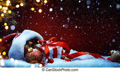 weihnachtsmann, rotes , tasche, mit, weihnachten, kugeln, und, geschenkschachtel, auf, schnee