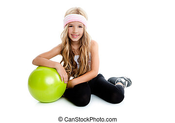 weinig; niet zo(veel), bal, yoga, gym, groene, meisje, kinderen