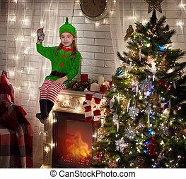 weinig; niet zo(veel), elf, kerstmis