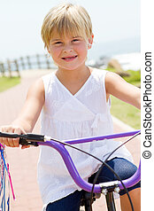weinig; niet zo(veel), fiets, meisje, buitenshuis