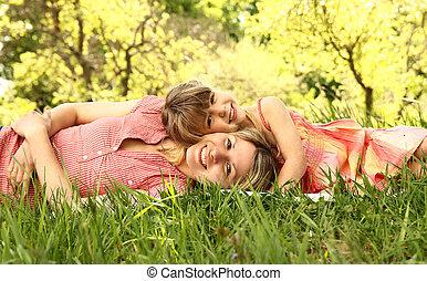 weinig; niet zo(veel), gras, dochter, leugen, mama, haar
