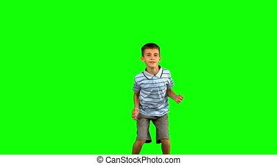 weinig; niet zo(veel), groene, scherm, springt, jongen
